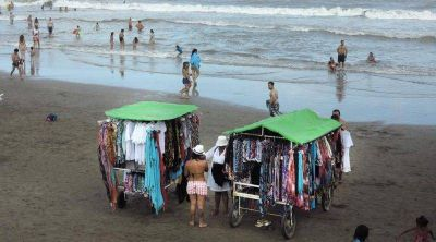 Vendedores de Playa y el trasfondo político disfrazado de reclamo laboral