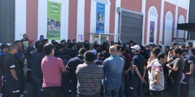 """Cierre de Kimberly-Clark: los trabajadores vuelven a marchar e insisten que """"acá no había crisis"""""""