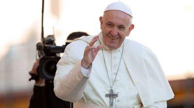 """El Papa pide acoger a los """"náufragos exhaustos que llegan a nuestras costas"""""""