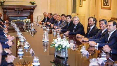 Crece la peregrinación de gobernadores por la Casa Rosada en busca de oxígeno financiero