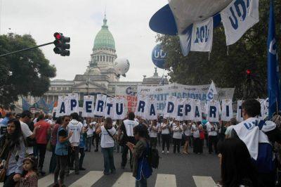 Trotta convocará a la paritaria nacional docente para el próximo 20 de enero