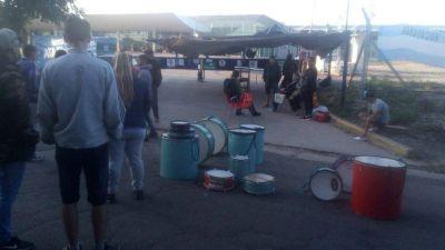 Protesta y bloqueo en el acceso a la terminal de micros de Mar del Plata