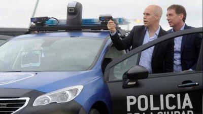 La Policía de la Ciudad asciende a efectivos irregularmente y viola la ley de Seguridad Pública