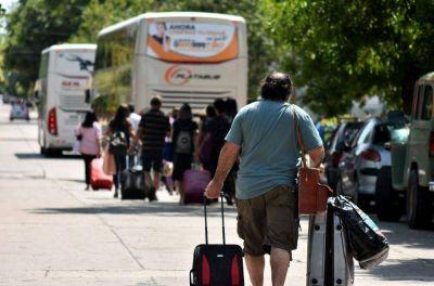 """La Terminal sigue bloqueada, los maleteros están """"a la deriva"""" y viajar en micro se volvió un trastorno"""