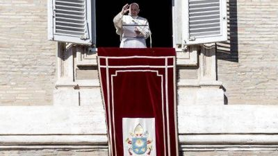 Ángelus: El Papa pide orar para comprender el don del Bautismo