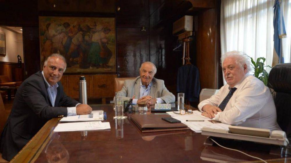Ginés recibió a Cavalieri en otro gesto del gobierno a los