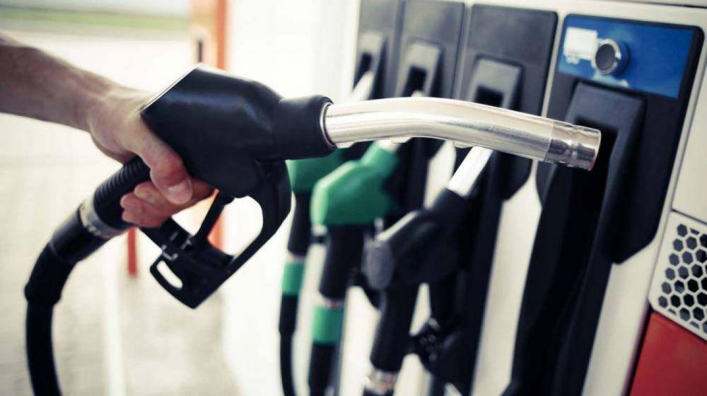 Empresarios de Combustible piden aplazar el pago de la paritaria