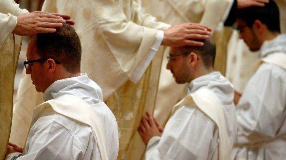 Una contribución sobre el celibato sacerdotal en obediencia filial al Papa