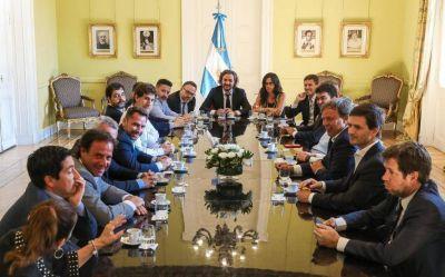 Los intendentes eligieron mostrarse con Cafiero en medio de la crisis de Kicillof