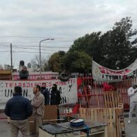 Córdoba: Continúa la toma en Molinos Minetti tras seis meses sin sueldos