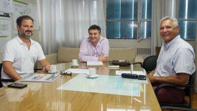 Por la continuidad de obras hidráulicas, funcionarios de Garro mantuvieron una reunión en Infraestructura