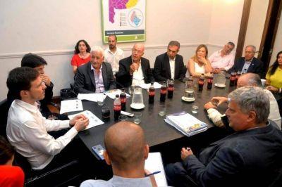 Costa se reunió con titulares de FEBA, CEPBA y UIPBA para trazar acciones conjuntas