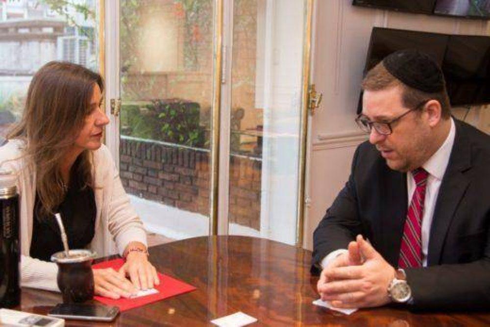 La Ministra de Seguridad, Sabina Frederic, se reunió con el presidente de la AMIA, Ariel Eichbaum
