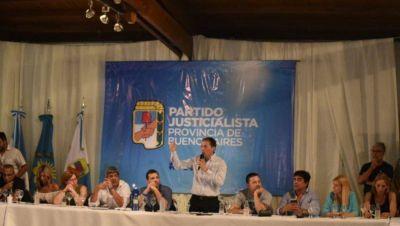 Cumbre: el PJ bonaerense amplía su mesa política con Alberto y Axel