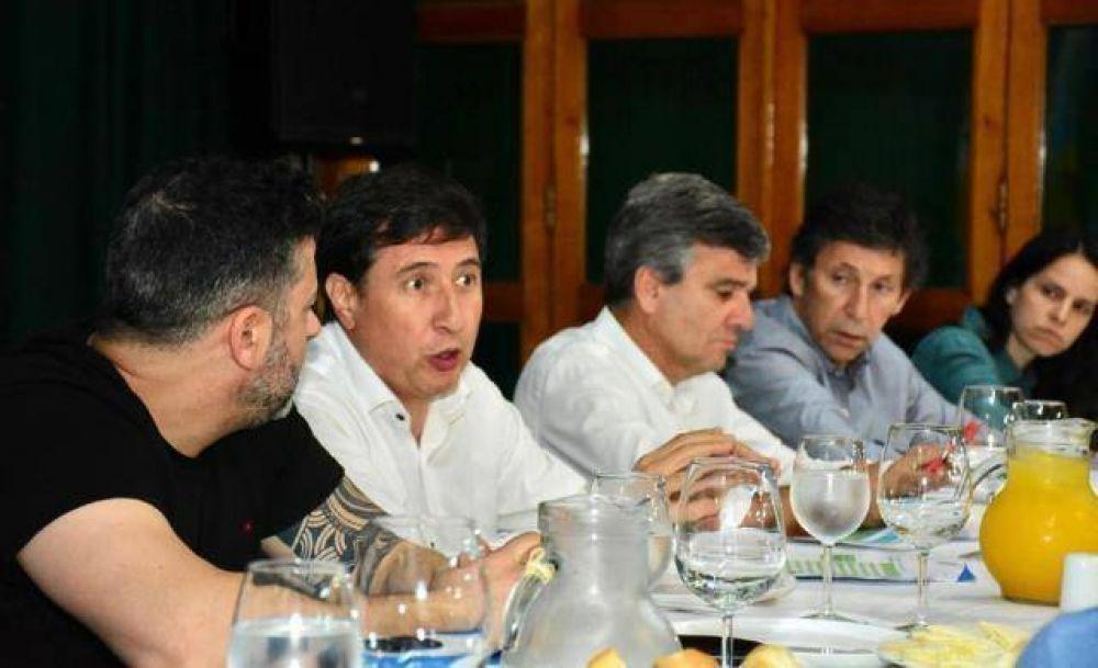 Daniel Arroyo se reunió con intendentes de la Primera por la implementación de la tarjeta alimentaria