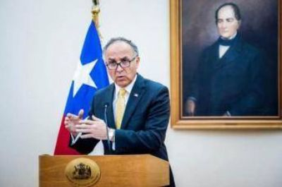 El Canciller chileno visitará Emiratos Árabes Unidos