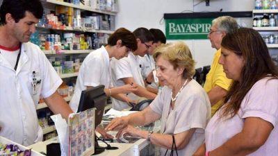 Farmacéuticos podrían dejar de atender a jubilados si el PAMI no paga una deuda millonaria