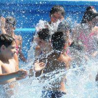 Sindicatos de La Plata organizan un día recreativo para cientos de chicos en el camping de ADULP