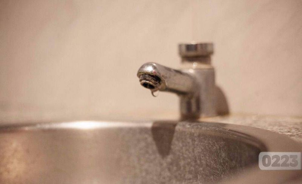 Vecinos del sur, sin agua: Obras Sanitarias pide