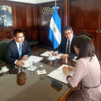 Energía: reunión del Gobierno con empresarios chinos por obras en represas en Santa Cruz