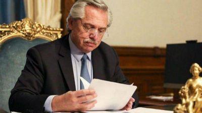 Antes de viajar a Israel, Alberto Fernández firmó el temario para tratar el proyecto de deuda de Guzmán