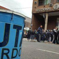 La choferes de UTA paralizan el transporte en Córdoba