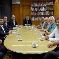 Los Sindicatos Aeronáuticos se reunieron con Moroni y el titular del Grupo Aerolíneas y Austral para retomar el postergado camino de la paritaria