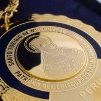 Perú: El episcopado entrega la Medalla de santo Toribio de Mogrovejo