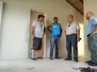 Se retomaron los trabajos para la finalización de viviendas en General Pirán