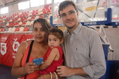 Morón: 5900 familias ya cuentan con la tarjeta AlimentAR