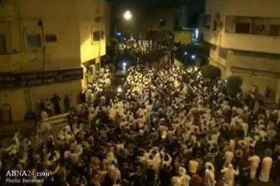 """""""Enormes multitudes asisten a funerales de los jóvenes disidentes en Qatif en Arabia Saudí"""""""
