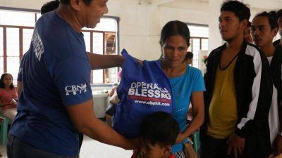 Operación Bendición atiende a las víctimas del volcán Taal mientras ellos dan su vida a Cristo