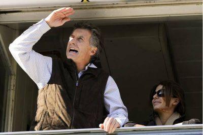 El ambiente del fútbol argentino salió en rechazo del nuevo cargo de Macri en la Fundación FIFA