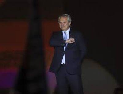 Fernández, el Papa y el milagro de entrarle al Fondo con Stiglitz