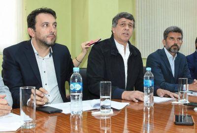 Orozco acordó con los intendentes un plazo por el convenio del basural de El Borbollón