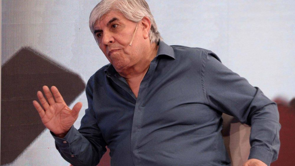 """Hugo Moyano dijo que trabajará para """"mantener el poder adquisitivo"""" de los trabajadores"""