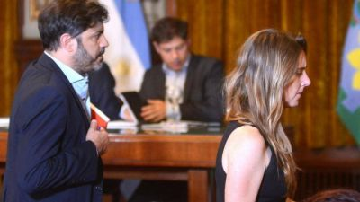 Horas decisivas en La Plata: Kicillof se recluyó y planea cómo salir de la encerrona de la deuda