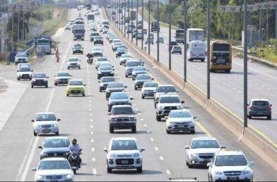 Más de 12 mil vehículos abandonan la ciudad