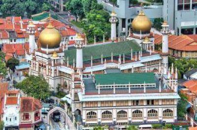 Mezquita de 200 años ofrece refugio para personas sin hogar en Singapur