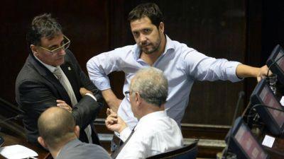 Wado De Pedro ubica a su primo en el gobierno de Kicillof para controlar el vínculo con los intendentes