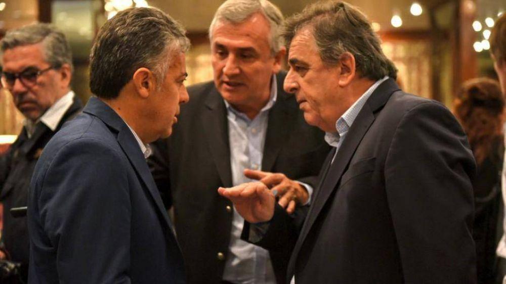 El Gobierno amenaza con investigar la deuda que dejó Macri y se cruza con la UCR