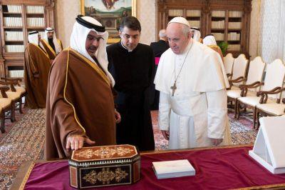 Bahrein: Francisco recibe al príncipe heredero Salman bin Hamad Al Khalifa