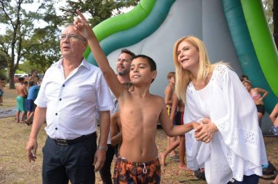 Ituzaingó: Descalzo y Magario visitaron las colonias de verano