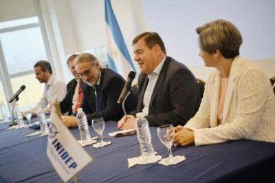 Junto a autoridades nacionales y provinciales, Montenegro asistió a la asunción del director del INIDEP