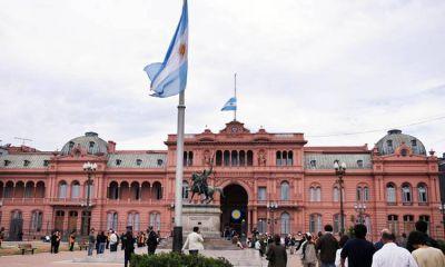 Oscar Parrilli presentó una denuncia penal contra Mauricio Macri por el supuesto abandono del edificio de la Casa Rosada