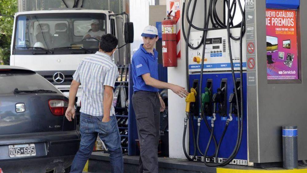 """Estacioneros le advierten a Acuña: """"Si no suben los combustibles, no hay aumentos"""""""