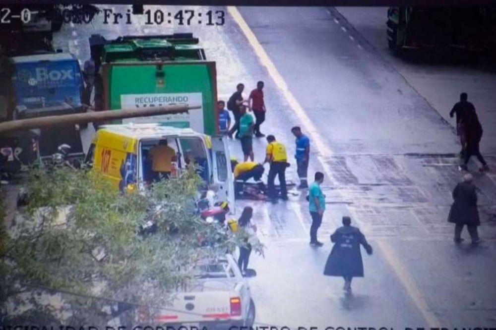 Córdoba: murió una mujer aplastada por un camión de basura