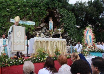 Fiesta de la Virgen de Lourdes en la Gruta