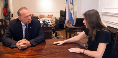 Sergio Berni le reclamó a la ministra Sabina Frederic que retire a las fuerzas federales de la Provincia