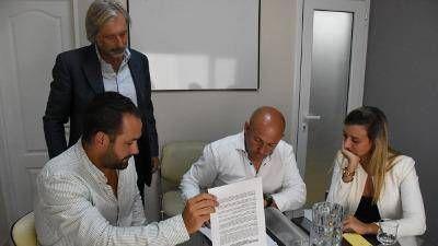 Sastre firmó un convenio para la concientización y el cuidado ambiental